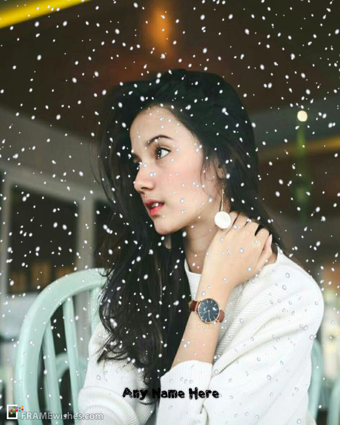 Best Snow Falling Frame For Casual Photos